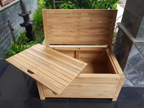 The balcony bench is made in Indonesia. The wood that is used for the balcony bench comes from sustainable plantations and is partially made of renewed wood.