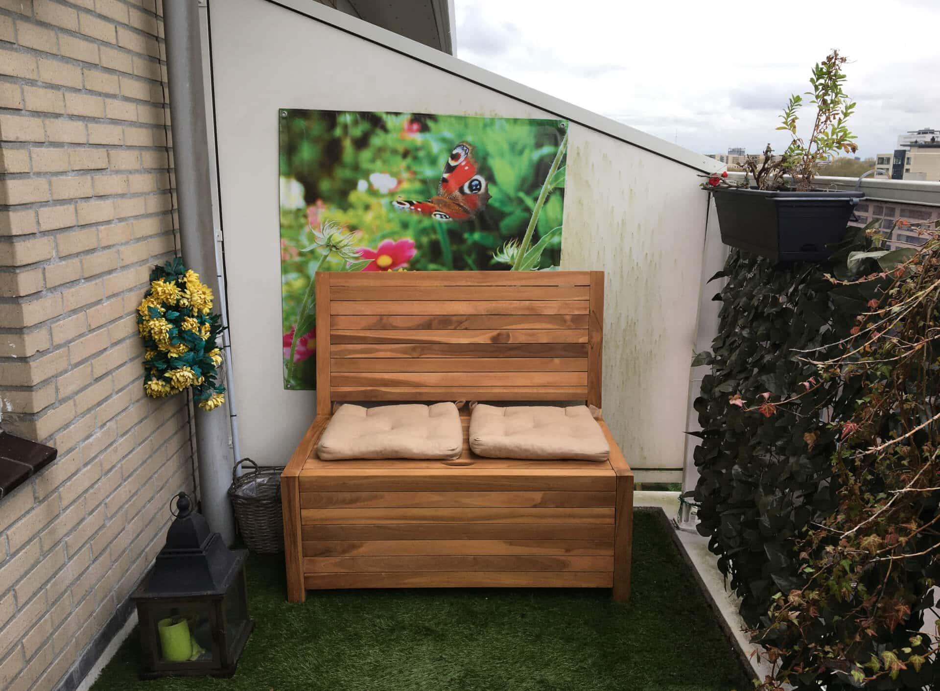 Balkon bankje met opbergruimte. Combineer het met lossen zitkussens en berg ze handig en snel op onder de afneembare zitting.