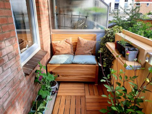 The Balcony Bench with storage space on a small balcony in Arnhem