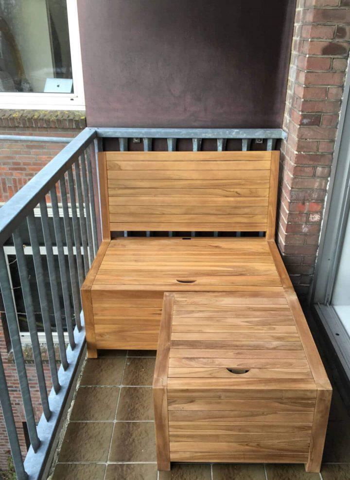 Die Balkonbank bildet in Kombination mit dem Balkonhocker ein schönes Balkon-Lounge bank