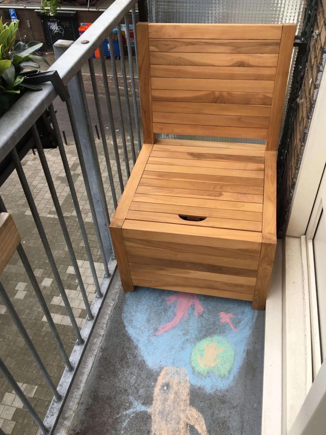 Balkonstoel met opbergruimte