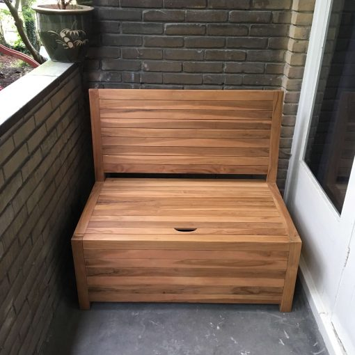 In need of a balcony couch of 100 cm wide? The small wooden bench has ideal sizes for a small and narrow balcony.