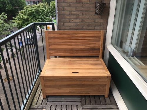 Small wooden balcony bench for small and narrow balconies! Scroll through nice balcony bench photo's here!