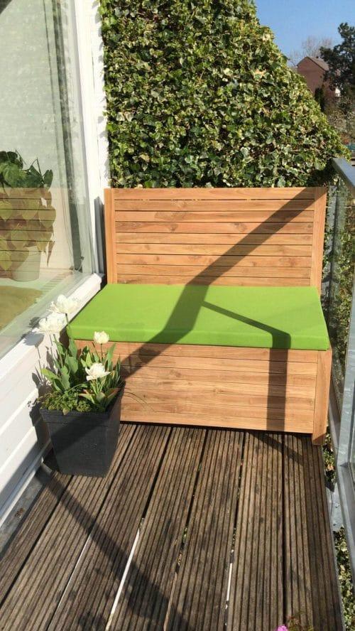 Balkonbank van 120 x 65 x 90 met moss green kussen