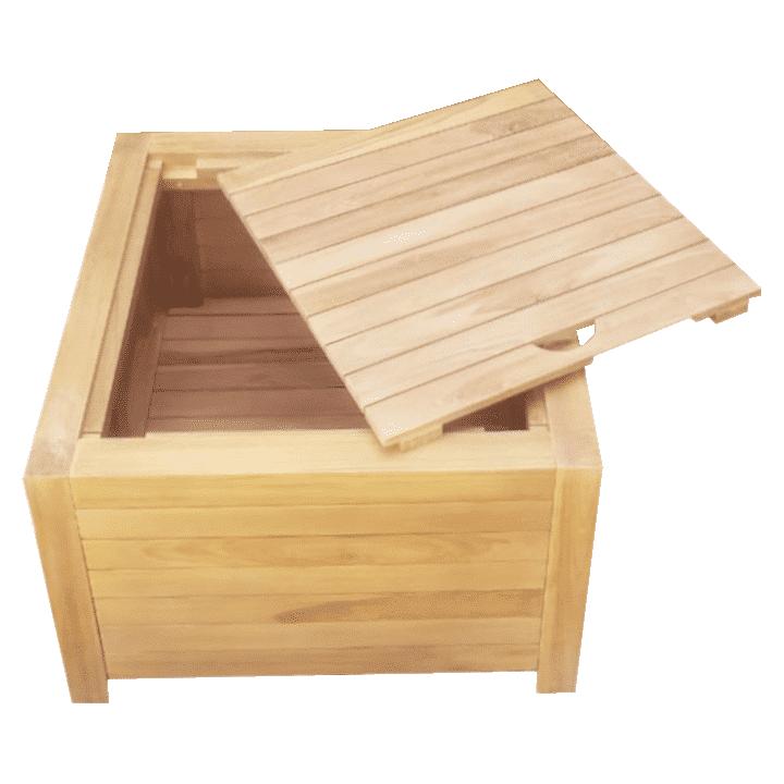 Gebruik de houten hocker als voetenbank, bijzettafel en stoel!