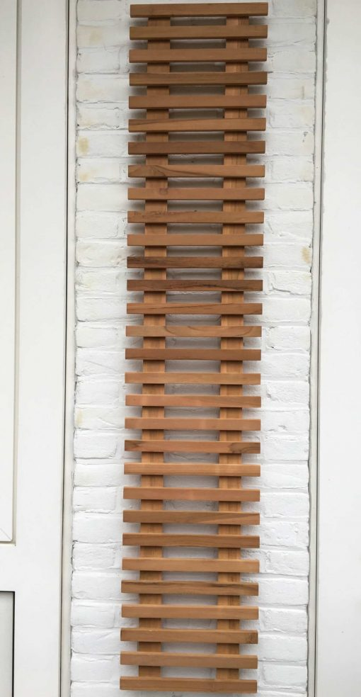 Wooden plant wall rack van 150 x 30 cm. Ideal to hang on your balcony wall!