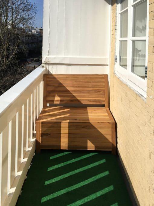 Deze kleine balkon bank van 100 cm breed past precies