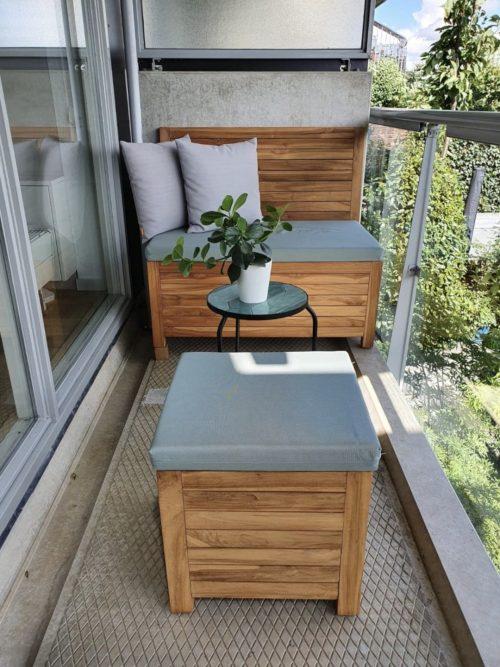 Kleine balkon lounge set bestaande uit een balkonbank en een balkon hocker