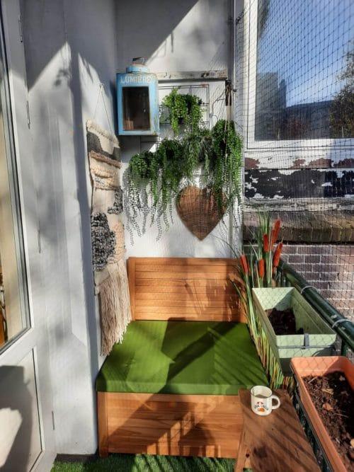 Balkon loungebank van 85 cm breed met olijfgroen kussen