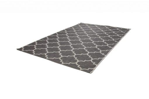 Balcony rug with an Arabic pattern Very suitable for outdoor use.
