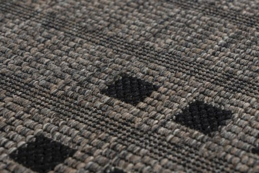Balcony rug with a taupe grille pattern. Very suitable for outdoor use.