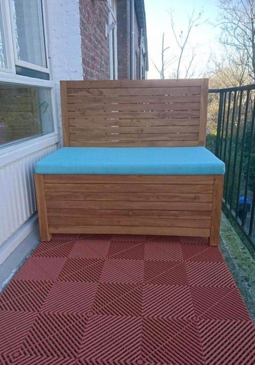 balkonbank van 120 cm breed met azure blauw kussen